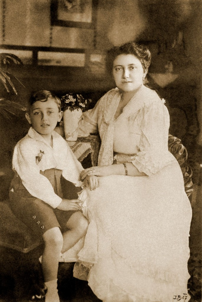 4x6Valdik and mother Olga 1 (2)