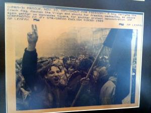 AP Wire Photo November 22 1989 - Shout for Freedom