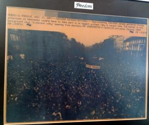 AP Wire Photo Velvet Revolution Nov 21 1989 Crowd and Freedom
